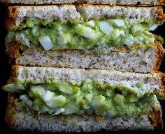 Pesto Egg Salad (on lettuce) -A lunch-worthy dish that's protein-packed and low in carbs? This Pesto Egg Salad from The Healthy Maven brings a whole new flavor to your traditional egg salad while delivering o. Healthy Snacks, Healthy Eating, Healthy Recipes, Diet Recipes, Egg Salad, Pasta Salad, Kale Pesto, Spinach Salad, Vegetarian
