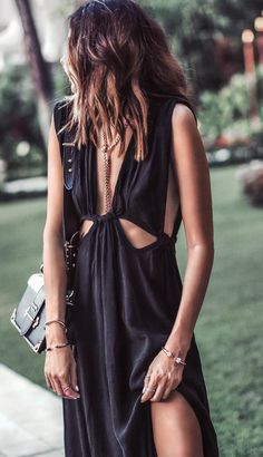 black maxi dress with accessories, urbanwear, blogger style