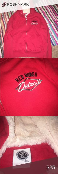Red wings sweater Women's zip up size large great condition ! Fur in hood ! NHL Tops Sweatshirts & Hoodies