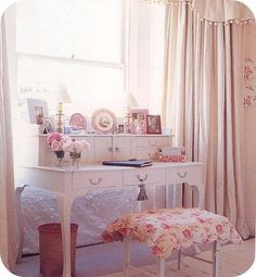 lovely guest room or young girls desk....not really a very useful one.  But very pretty...