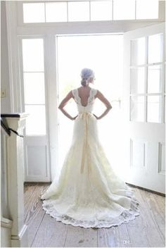 2016 Full A-Line Lace Wedding Dresses Ivory Sweetheart Neck Sleeveless with Beaded Satin Sash Open Back Court Train Vintage Bridal Gowns