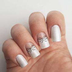 Domi Králiková (@domi_nailart) Bow nails #bownailart #lovebows #nailsart #nail #myownnails #nailartpro #nechtovydizajn #nechty #nailartlover #lovebows #bownailart #romanticnails #pinit #pearlnails #followme #pinnails #bowtie #partynails #casualnails