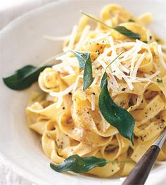 Fettuccine with Brown Butter and Sage. Added bacon, cooked butter in bacon fat, and used chicken and beef broth. The sage leaves soaked up the butter and had a nice pop to them. Next time, add butternut squash. Sage Recipes, Herb Recipes, Pasta Recipes, Italian Recipes, Cooking Recipes, Fettuccine Recipes, Chicken Recipes, Pasta Dishes, Food Dishes