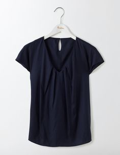 We've added a flattering V-neck to our bestselling Ravello Top but apart from that we haven't changed a thing. It features subtle pleats at the neck, cap sleeves and a feminine shape, perfect with both jeans and pencil skirts – the ultimate work-to-play style.