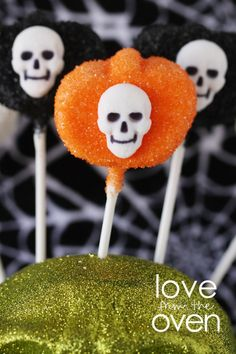 Halloween Marshmallow Pumpkin Pops