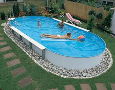 20 Creative Swimming Pool Design Ideas Offering Great Inspirations for Yard Landscaping – backyard design ideas Above Ground Pool Landscaping, Above Ground Pool Decks, Backyard Pool Landscaping, Backyard Pool Designs, Small Backyard Pools, In Ground Pools, Landscaping Ideas, Backyard Ideas, Small Pools