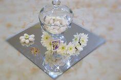 Small details. Confetti e fiori.