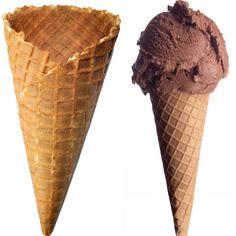 ricetta per preparare le Cialde per gelato fatte in casa, ossia i coni o le coppette croccanti su cui far trionfare i nostri cremosissimi gelati golosi.