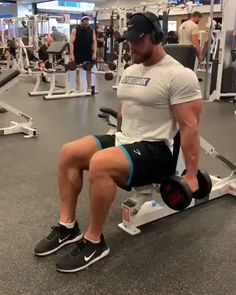 What's your favourite arm exercise. : What's your favourite arm exercise. : What's your favourite arm exercise. Big Biceps Workout, 300 Workout, Gym Workout Chart, Gym Workout Videos, Dumbbell Workout, Workout Challenge, Life Fitness, Fitness Pal, Muscle Fitness
