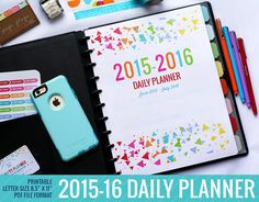 2015 - 2016 Daily Planner Calendar Printable  This planner makes a great student planner! Also works great for moms that have a super busy schedule! There are weekly and monthly planning pages.