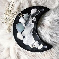 ☽☾Crystals for the minimal Witch/Wiccan/Pagan, in s beautiful, black wood, crescent moon plate. Crystals Minerals, Crystals And Gemstones, Stones And Crystals, Chakra Crystals, Gem Stones, Crystal Magic, Crystal Healing, Crystal Shop, Wiccan