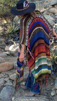 Handknit longue Womens Bohême Hippie Festival plage Poncho Cape châle (pour Jayne)