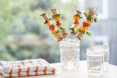 Chow Town Sandwich Pops from @crunchacolor are just one of the ideas of healthy snacks your kids will love! Get the rest of the ideas on #EviteGatherings