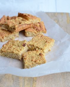 Iets meer zout of eventueel zoetstof toevoegen Healthy Cake, Healthy Cookies, Healthy Sweets, Healthy Baking, Pureed Food Recipes, Dessert Recipes, Low Carb Low Fat, Stevia, Happy Foods