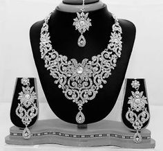 Silver clear indian costume jewellery necklace earrings diamond set bridal new - Reception jewelry - Schmuck Indian Bridal Jewelry Sets, Silver Jewellery Indian, Silver Jewelry, Bridal Jewellery, Tikka Jewelry, Sterling Necklaces, Silver Diamonds, Silver Ring, Silver Earrings
