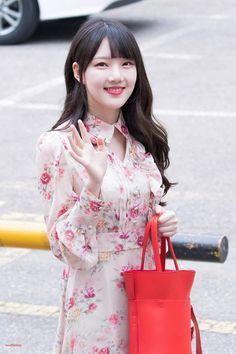Extended Play, Kpop Girl Groups, Kpop Girls, Spirit Finger, Baby Animals Super Cute, Cloud Dancer, Frock Design, G Friend, Korean Celebrities