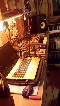 Studio - MC da Hate Hate, Instruments, Home Appliances, Studio, Music, House Appliances, Domestic Appliances, Musical Instruments, Study