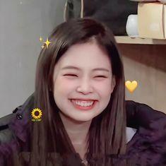 Kim Jennie, Bebe Love, Lisa Blackpink Wallpaper, Blackpink Members, Blackpink Video, Black Pink Kpop, Kim Jisoo, Blackpink Photos, Blackpink Fashion