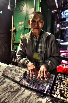 Hong Kong Street Jeweler