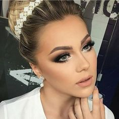 Evening wedding makeup, wedding bridal makeup, bridal make up, evening eye Day Makeup, Prom Makeup, Makeup Inspo, Makeup Inspiration, Makeup Ideas, Bridesmaid Makeup, Makeup Kit, Makeup Trends, Beauty Make-up
