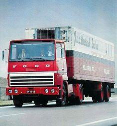 Ford Transcontinental met koeloplegger van Van der Kwaak in Hillegom Semi Trucks, Big Trucks, Old Lorries, Road Train, Trucks And Girls, Tow Truck, Commercial Vehicle, Vintage Trucks, Classic Trucks