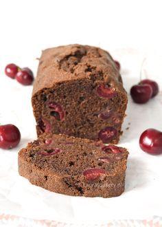 Deze chocolade-kersencake heb je in een handomdraai gemaakt en is ontzettend lekker. Dit kun je je gasten wel voorzetten, ze zullen ervan smullen.