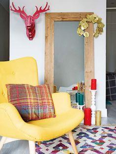 Jurnal de design interior: Culori tari într-un apartament din Spania