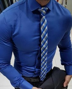 Trend ideas intended for ladies. Feel smart in the sought after competitively priced styles. Business Casual Men, Business Outfit, Men Casual, Moda Formal, Designer Suits For Men, Man Dressing Style, Mens Fashion Wear, Womens Fashion, Fitted Dress Shirts