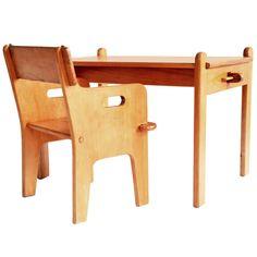 1stdibs.com | Hans J. Wegner Peter's Chair & Table