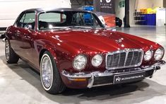Sexy Cars, Hot Cars, Vintage Cars, Antique Cars, Old Fashioned Cars, Xjr, Car Photos, Car Car, Supercar