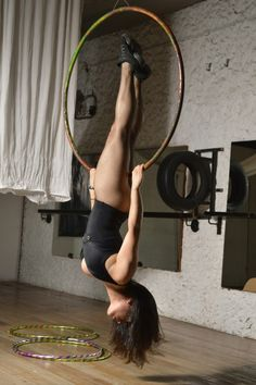 Aerial Dance, Aerial Hoop, Aerial Arts, Aerial Silks, Pole Dance, Psychedelic Tattoos, Flying Lessons, Fantasy Art Women, Pole Fitness