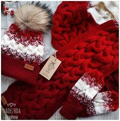 Комплект связан в три цвета ,градиентом,на заказ .Такой уютный и теплый #связанослюбовью #вяжутнетолькобабушки #ручнаяработа #хэндмэйд #рукоделие #like4like #likeforlike #foll #follow4follow #knitting #instagramers #moscowcity