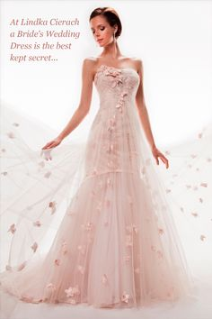 Pink wedding dresses are gaining popularity among young brides ...