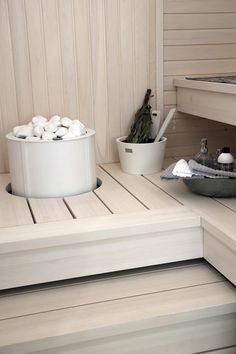 35 Spectacular Sauna Designs for Your Home Sauna Steam Room, Sauna Room, Scandinavian Saunas, Modern Saunas, Portable Sauna, Sauna Design, Finnish Sauna, Spa Rooms, Cabin Interiors