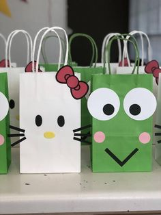 Hello Kitty Favors, Hello Kitty Theme Party, Hello Kitty Themes, Hello Kitty Cake, Hello Kitty Crafts, 2nd Birthday Parties, Baby Birthday, Birthday Candy, Decoracion Hello Kitty
