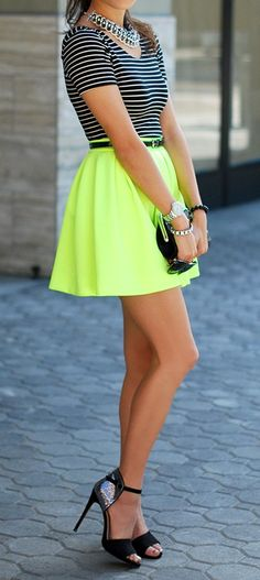 Neon & stripes: great combo! I've never really liked neon that much but this actualy goes well!!