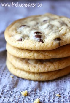 The Busy Baker: Chewy Chocolate Chip Cookies