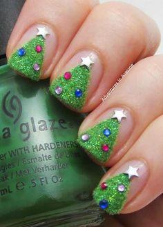 Glitter Nail Art Ideas in Christmas Spirit