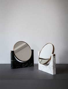 Pepe Marble Mirror in Black design by Menu Banyo – home accessories Interior Accessories, Decorative Accessories, Marble Bathroom Accessories, Pet Accessories, Decorative Objects, Gold Bad, Petite Console, Messing, Furniture