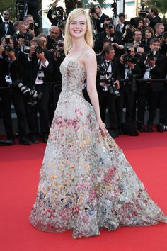 See How Dior Made Elle Fanning's Couture Gown, Which Was Covered in Hundreds of Feathers - The 70th Annual Cannes Film Festival