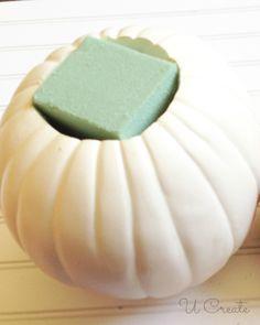 Pumpkin Vase, Pumpkin Flower, Diy Pumpkin, Pumpkin Crafts, Baby In Pumpkin, Fall Crafts, White Pumpkin Decor, Pumpkin Planter, Fall Wedding Centerpieces