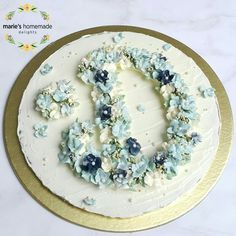 """My own first initial """"D"""" Practice on paperboard Flower Buttercream"""