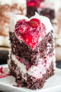 This Black Forest Cake from Tornadough Alli is a super tasty treat. Moist chocolate cake is layered with fluffy white frosting and cherries and chocolate shavings making this cake a absolute addiction! German Black Forest Cake, Easy Black Forest Cake, Homemade Cherry Pies, Chocolate Cherry Cake, Homemade Chocolate, Cake Recipes, Dessert Recipes, Dessert Ideas, Salad Recipes