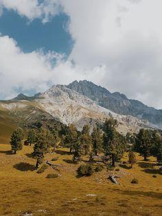 Val Minger - Engadin - Schweizer Nationalpark Hidden Places, Secret Places, Places In Switzerland, Wild Nature, Trekking, Nature Photography, Hiking, Mountains, World