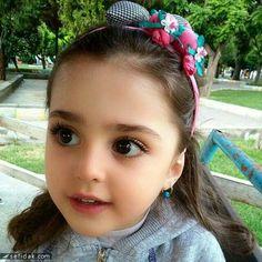 ตากลมโต น่ารักมากค่ะ Cute Baby Girl Images, Cute Kids Pics, Cute Images, Baby Pictures, Cool Kids, Cute Girls, Pretty Kids, Beautiful Little Girls, Beautiful Children
