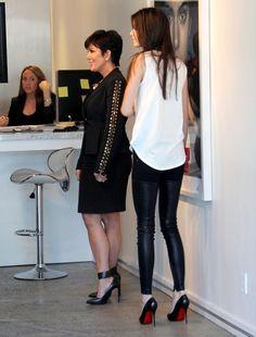 Kris Jenner Photo - Kendall and Kris Jenner Visit an Art Gallery