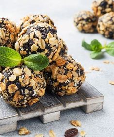 Are you looking for an easy, yet healthy snack to eat when in a hurry? This delicious vegan keto almond energy balls will definitely keep you satisfied until the next meal. #ketorecipes #ketofood #easyketorecipe #food #foodie #foodporn #healthyeating #healthyfood #healthyliving #easyrecipe Quick Healthy Meals, Quick Snacks, Keto Snacks, Healthy Snacks, Baking Recipes, Keto Recipes, Dessert Recipes, Healthy Recipes, Quick Recipes
