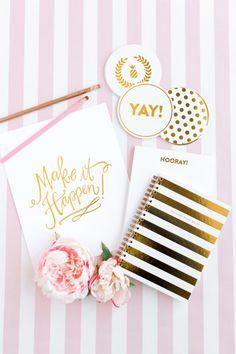 Tarjetas en color rosa pastel y dorado