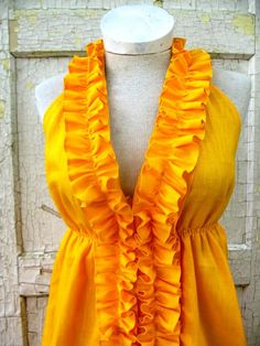 etsy makes me wish I paid more attn in that awful 7th grade sewing class.  I heart bayousalvage's entire store.
