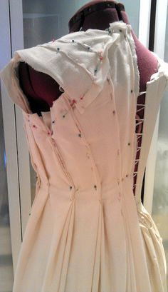 Creating the 1795 Open Robe by Cathy Hay, via Flickr (I so want her mad skills)